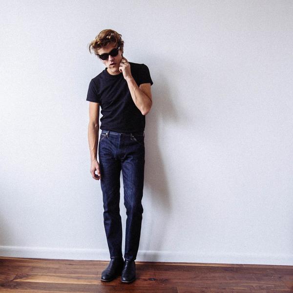 slim-blue-jean-front-view_grande